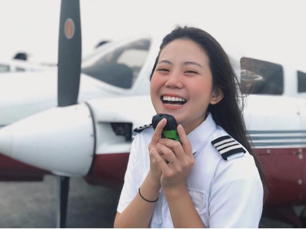 Nữ sinh bỏ bằng Kiến trúc đi học phi công: Học phí 4,6 tỷ, người thầy mean và những góc khuất ít ai biết - Ảnh 3.