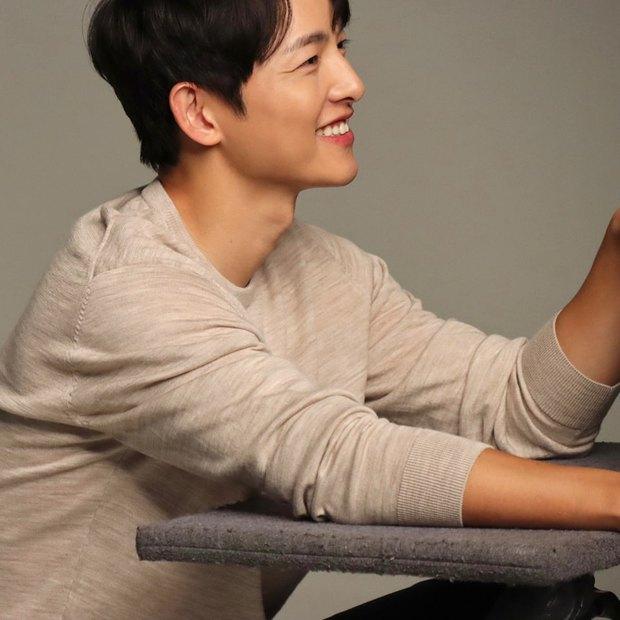 Song Joong Ki cuối cùng đã mở Instagram cá nhân, gây tò mò nhất là tài khoản duy nhất được follow - Ảnh 7.
