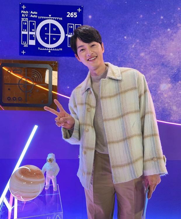 Song Joong Ki cuối cùng đã mở Instagram cá nhân, gây tò mò nhất là tài khoản duy nhất được follow - Ảnh 6.