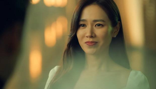 Đúng ngày Valentine, Hyun Bin - Son Ye Jin tung video phát đường: Chị đẹp công khai trả lời Em đồng ý khiến dân tình phát sốt - Ảnh 11.