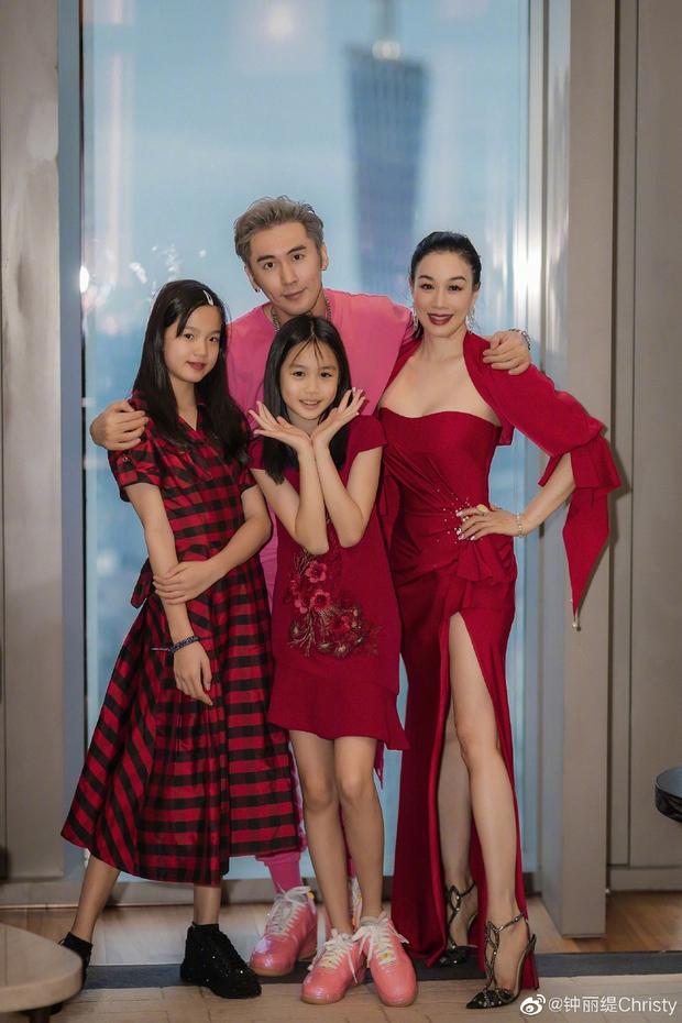 Cbiz nhộn nhịp đón Valentine: Dương Thừa Lâm phát cẩu lương, Angela Baby đáng ngờ, 1 cặp tuyên bố chia tay - Ảnh 15.