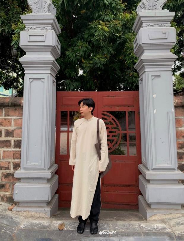 Tết Tân Sửu, hội con trai rộn ràng diện áo dài du xuân, vừa lưu giữ nét truyền thống mà trông vẫn chất lừ - Ảnh 3.