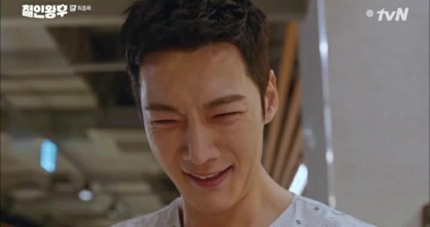 Netizen sôi máu với kết thúc của Mr. Queen: Biên kịch bị dí deadline nên làm liều đấy à! - Ảnh 3.