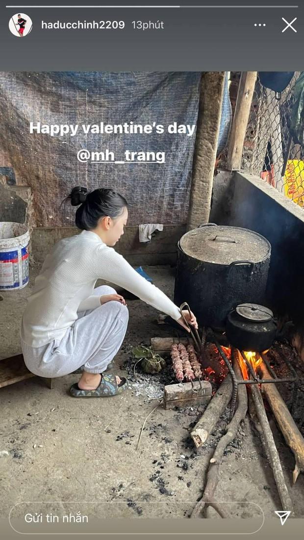 Người yêu Hà Đức Chinh hoá gái đảm khi về quê chàng ăn Tết, khác xa ảnh sang chảnh trên mạng - Ảnh 1.