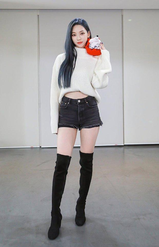 Tranh cãi top 4 nữ idol body tỷ lệ đẹp nhất Kpop: Lisa và center Gen Z chuẩn thánh body, Tzuyu và aespa quá khó hiểu - Ảnh 17.