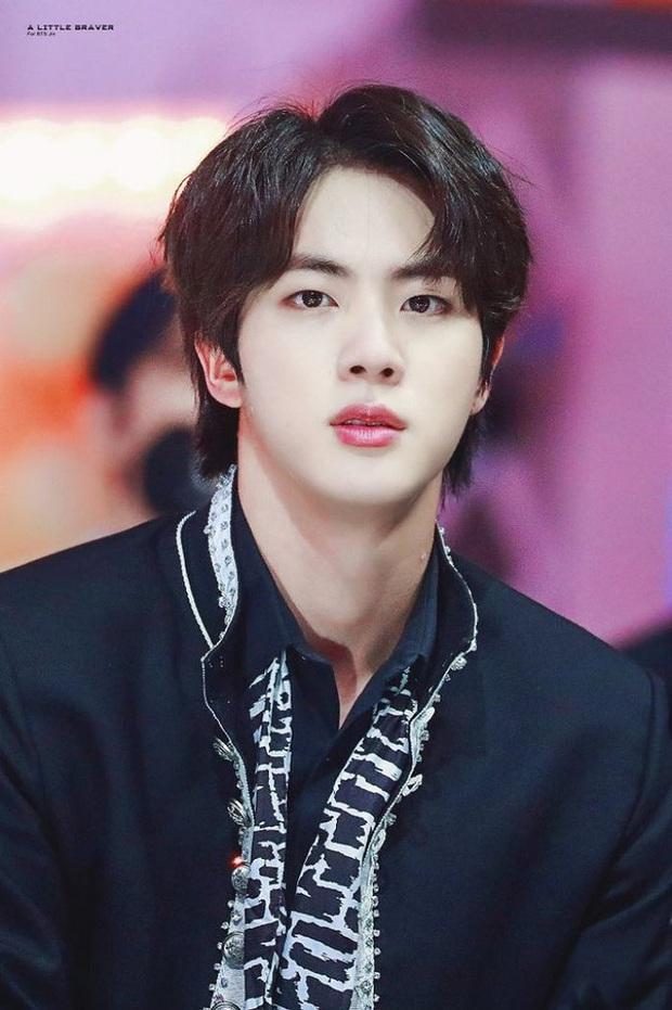 Đang xem phim Thái, netizen bỗng phát hiện Jin (BTS) nhưng sự thật khiến dân tình ngã ngửa toàn tập - Ảnh 3.
