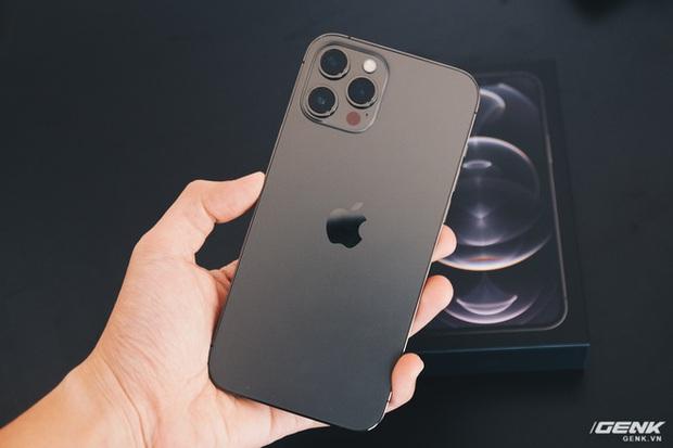 Đây là cách kiểm tra iPhone 12 của bạn đã bị thay camera hay chưa - Ảnh 1.