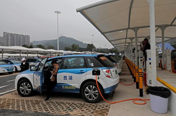 Là những quốc gia sản xuất ô tô hàng đầu thế giới, tại sao Đức và Nhật lại không vội vàng phát triển ô tô điện thông minh - Ảnh 2.
