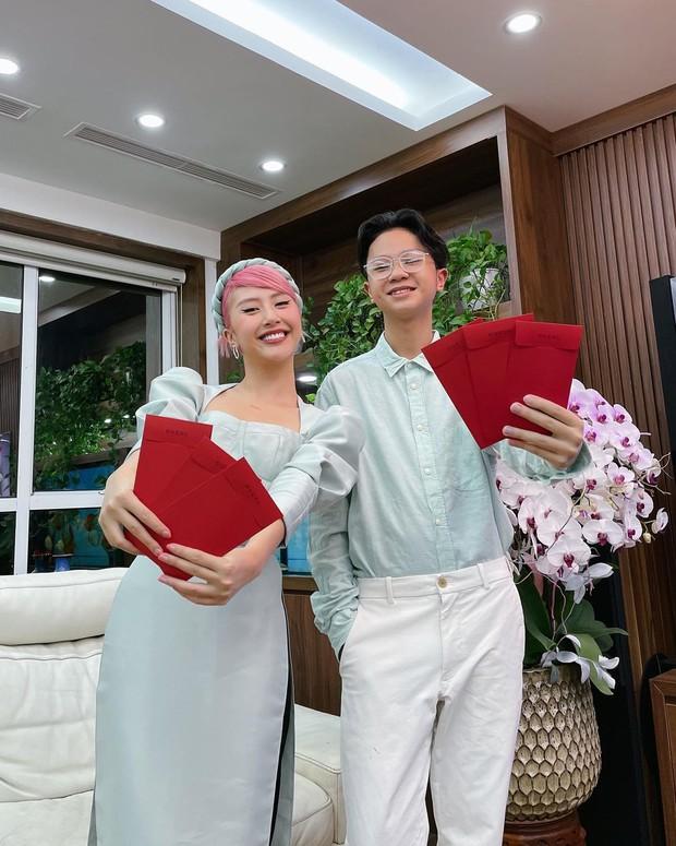 Chất nhất Tết này là nhà Quỳnh Anh Shyn, diện dresscode xuyên Tết như dự fashion week - Ảnh 3.