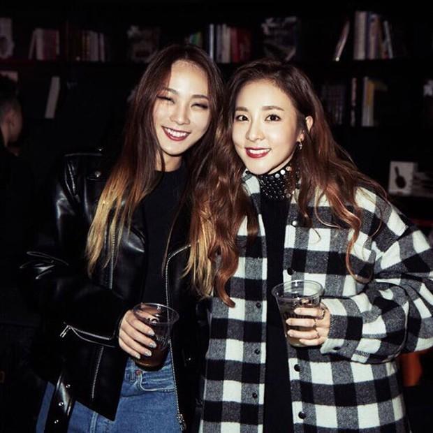 Hội nữ idol có chị em gái xinh như mộng: Chị Jisoo - Rosé (BLACKPINK) không kém minh tinh, em gái nữ thần lai YG gây bão - Ảnh 17.