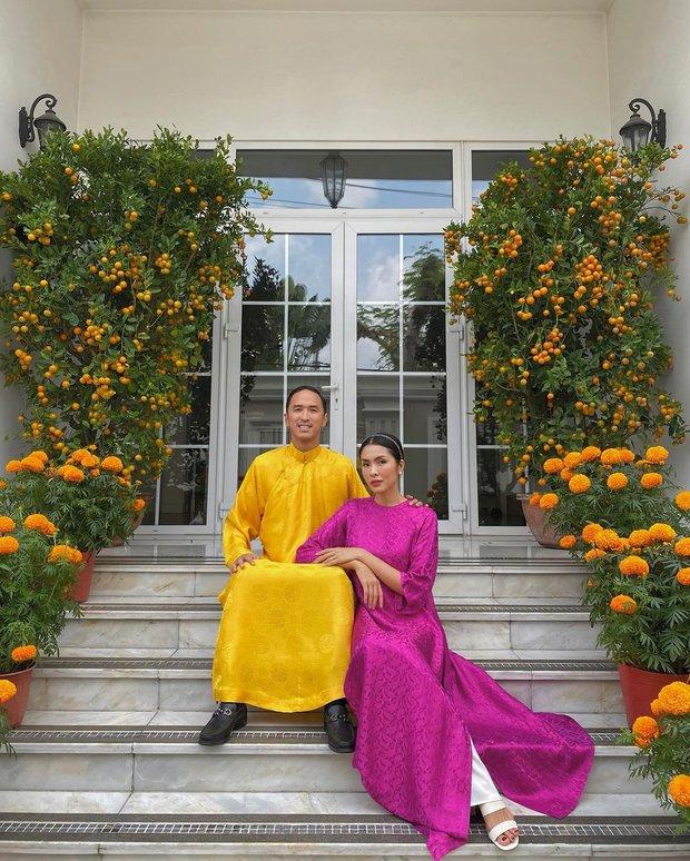 Con dâu tương lai của tỷ phú Johnathan Hạnh Nguyễn diện áo dài giống hội nhà quý tộc: Cũng ra dáng lắm! - Ảnh 2.
