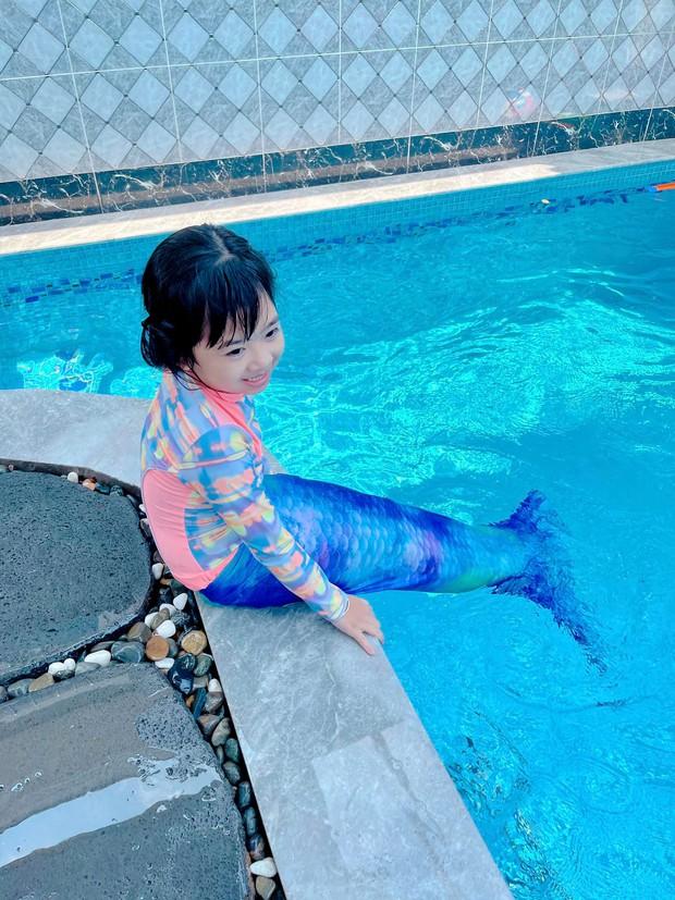 Con gái cố NS Mai Phương trong Tết đầu tiên vắng mẹ: Nở nụ cười hồn nhiên, vui vẻ bên gia đình Ốc Thanh Vân - Ảnh 4.