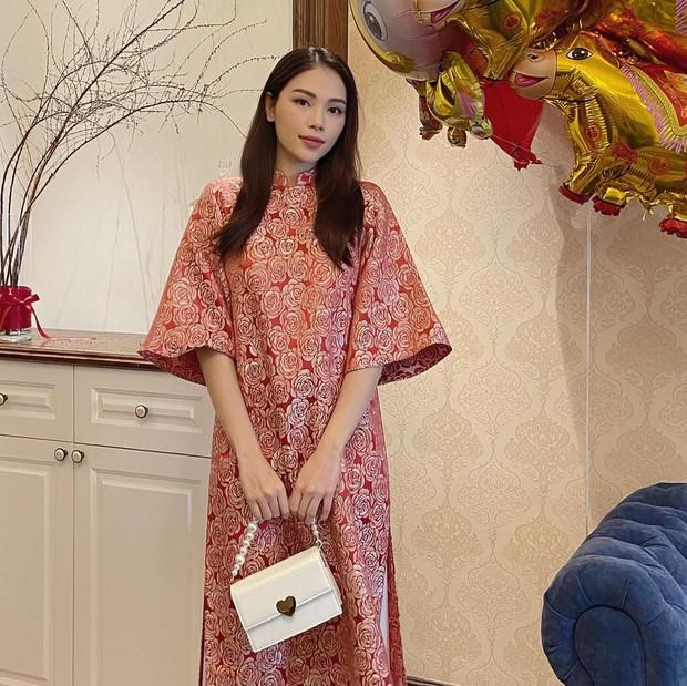 Con dâu tương lai của tỷ phú Johnathan Hạnh Nguyễn diện áo dài giống hội nhà quý tộc: Cũng ra dáng lắm! - Ảnh 4.