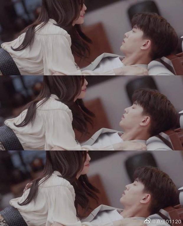 Nhậm Gia Luân bị Bạch Lộc đè ngã sõng soài ở Trường An Như Cố, fan hú hồn đòi alo vợ yêu của nam diễn viên - Ảnh 5.