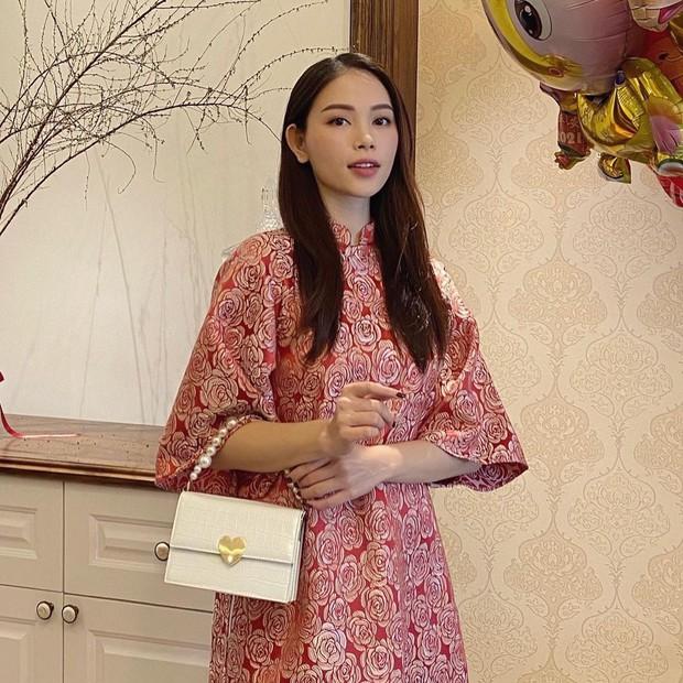 Con dâu tương lai của tỷ phú Johnathan Hạnh Nguyễn diện áo dài giống hội nhà quý tộc: Cũng ra dáng lắm! - Ảnh 5.