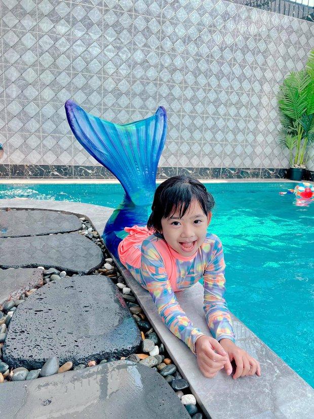 Con gái cố NS Mai Phương trong Tết đầu tiên vắng mẹ: Nở nụ cười hồn nhiên, vui vẻ bên gia đình Ốc Thanh Vân - Ảnh 3.