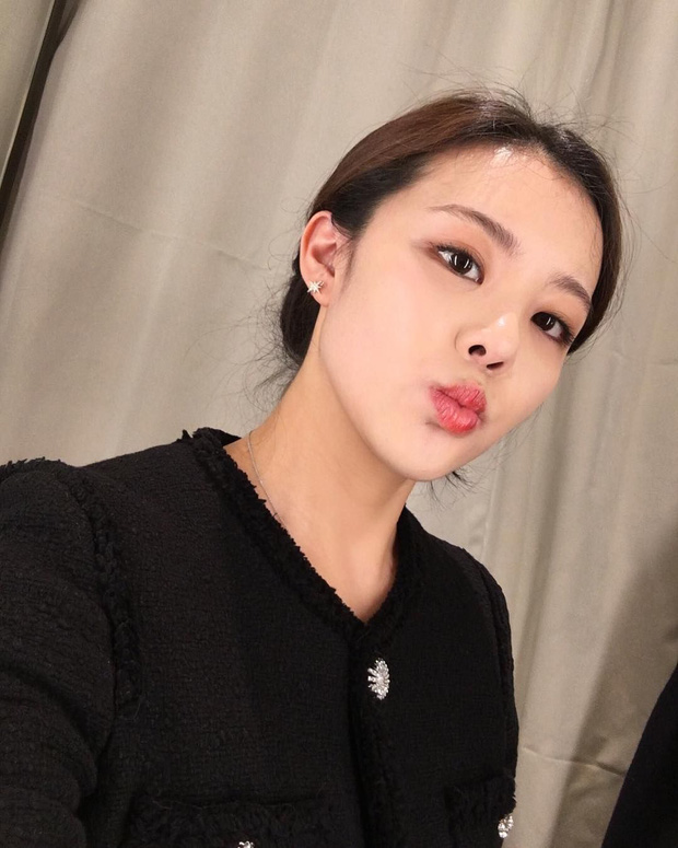 Hội nữ idol có chị em gái xinh như mộng: Chị Jisoo - Rosé (BLACKPINK) không kém minh tinh, em gái nữ thần lai YG gây bão - Ảnh 9.