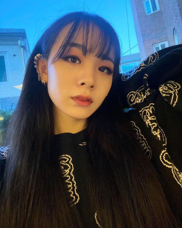 Hội nữ idol có chị em gái xinh như mộng: Chị Jisoo - Rosé (BLACKPINK) không kém minh tinh, em gái nữ thần lai YG gây bão - Ảnh 14.