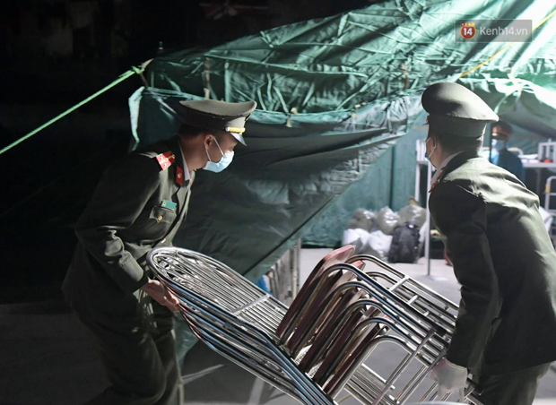 Hải Dương trước giờ giãn cách xã hội toàn tỉnh: Lực lượng xuyên đêm lập thêm 17 chốt kiểm dịch dọc Quốc lộ 5 - Ảnh 6.
