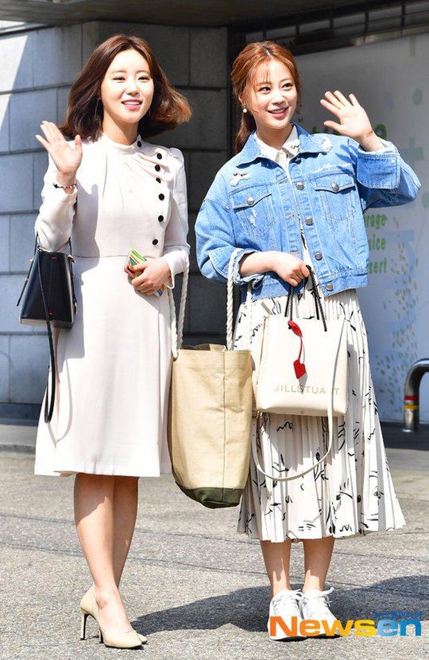 Hội nữ idol có chị em gái xinh như mộng: Chị Jisoo - Rosé (BLACKPINK) không kém minh tinh, em gái nữ thần lai YG gây bão - Ảnh 27.
