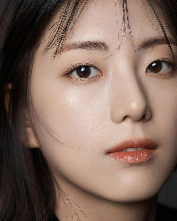 Hội nữ idol có chị em gái xinh như mộng: Chị Jisoo - Rosé (BLACKPINK) không kém minh tinh, em gái nữ thần lai YG gây bão - Ảnh 4.