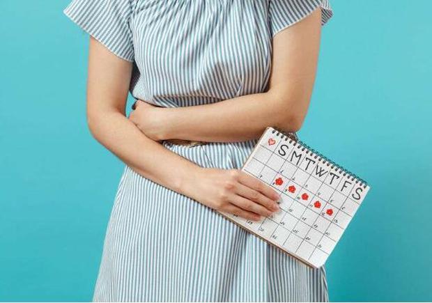 Cơ thể có 4 loại bất thường chứng tỏ estrogen đang không đủ, ăn thêm 4 thứ để dưỡng da, giảm nếp nhăn - Ảnh 1.