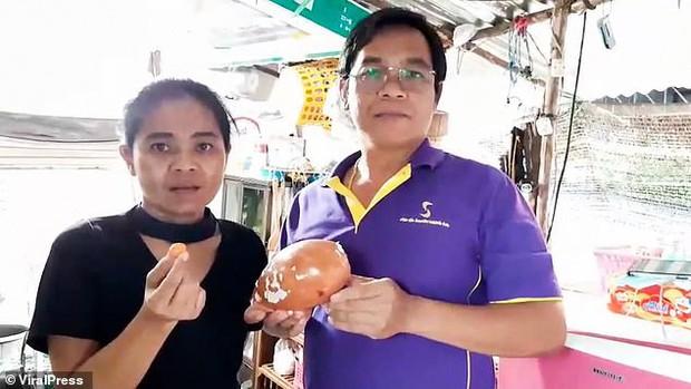 Đang ăn ốc luộc, người đàn ông Thái Lan bỗng nhiên đổi đời vì cắn trúng kho báu 8 tỷ không ai ngờ tới ngay trong miệng - Ảnh 4.