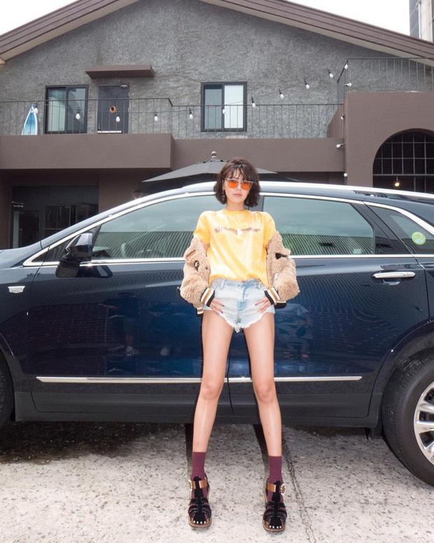 Chị đại SNSD sở hữu đôi chân dài siêu thực đến Lisa cũng phải lép vế, cứ diện đồ ngắn là dân tình choáng váng - Ảnh 6.