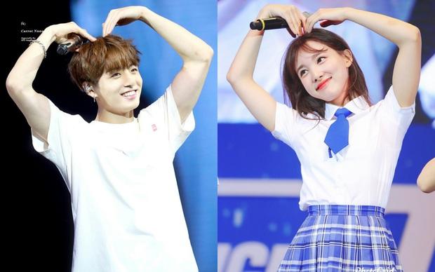 TWICE thu thập dàn hậu cung toàn nam thần Kpop: Jungkook (BTS) lộ hint với Nayeon, Kang Daniel - Heechul hẹn hò thành công - Ảnh 2.