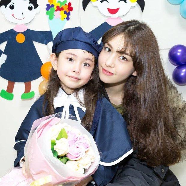 Hội nữ idol có chị em gái xinh như mộng: Chị Jisoo - Rosé (BLACKPINK) không kém minh tinh, em gái nữ thần lai YG gây bão - Ảnh 24.