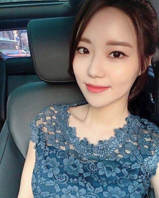 Hội nữ idol có chị em gái xinh như mộng: Chị Jisoo - Rosé (BLACKPINK) không kém minh tinh, em gái nữ thần lai YG gây bão - Ảnh 26.