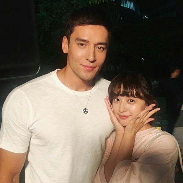 """6 """"người khổng lồ"""" Kbiz: Lee Kwang Soo dìm cả dàn sao, nam thần cao nhất Kpop gây sốt, """"há mồm"""" khi kéo đến sao Knowing Bros - Ảnh 20."""