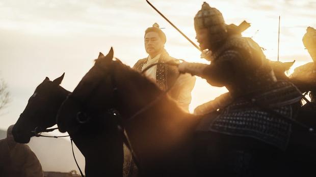 Sông Đón Trăng Lên mở màn bi tráng, Kim So Hyun lột xác ngoạn mục hoá sát thủ cực ngầu - Ảnh 6.