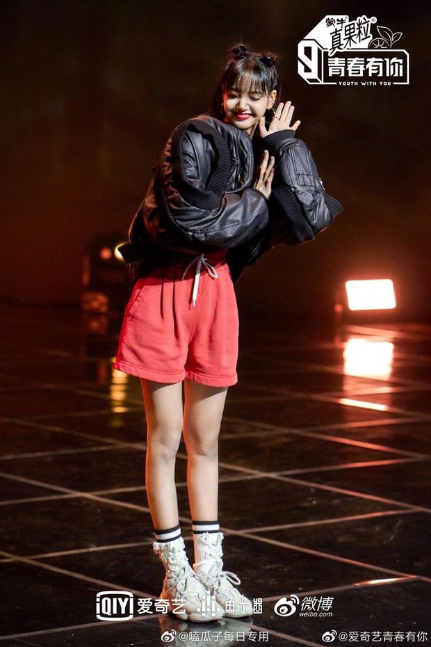 Nữ idol quốc tế nhất Kpop: Người Thái thành idol Hàn, làm host show thực tế Trung, giờ làm giám khảo giải thưởng thời trang của Pháp - Ảnh 10.