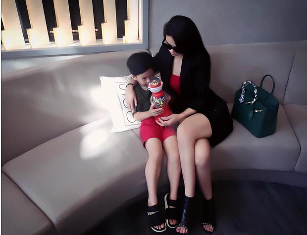 Nữ chính Hướng Dương Ngược Nắng: Ngoài đời sang chảnh, sexy khác hẳn trên phim, ai mà ngờ đã là mẹ bỉm? - Ảnh 13.