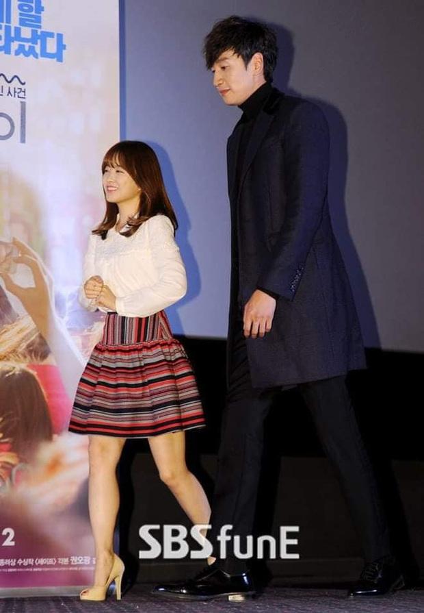 """6 """"người khổng lồ"""" Kbiz: Lee Kwang Soo dìm cả dàn sao, nam thần cao nhất Kpop gây sốt, """"há mồm"""" khi kéo đến sao Knowing Bros - Ảnh 3."""