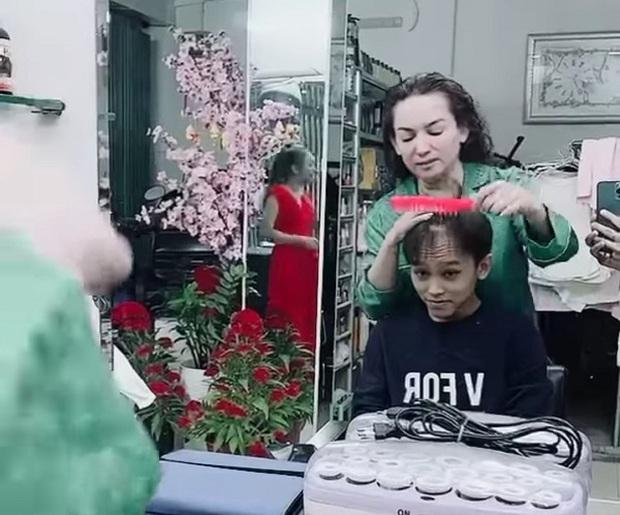 Quán quân Vietnam Idol Kids Hồ Văn Cường thay đổi bất ngờ sau khi bị mẹ nuôi Phi Nhung tố thái độ ngày Tết - Ảnh 6.