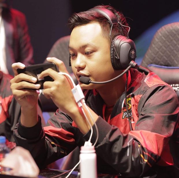 Cựu vương Liên Quân Mobile chuyển sang thi đấu cho giải Tốc Chiến khiến fan ngỡ ngàng - Ảnh 3.