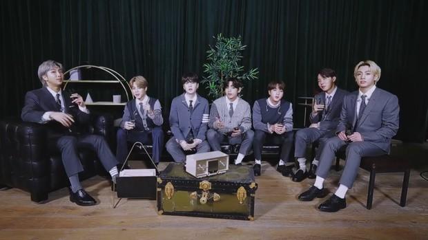 """BTS khoe visual điển trai chớp nhoáng trong trailer show của MTV, Knet """"thở phào"""" vì stylist đã bớt cẩu thả, cho nhóm mặc đồ đúng size! - Ảnh 2."""