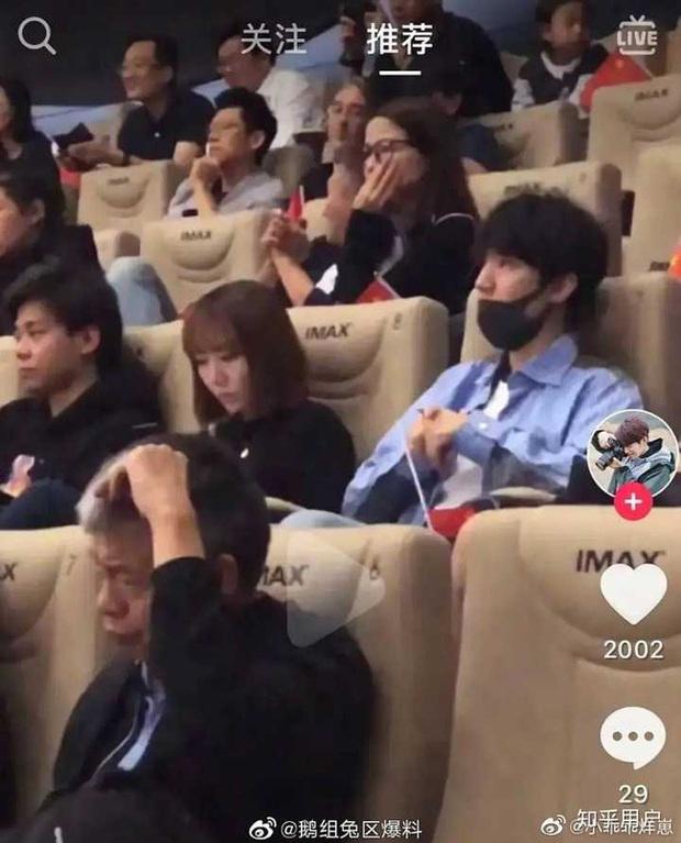 Fan đòi tự tử khi Vương Tuấn Khải cùng người đại diện liên tục bị nghi ngờ có mối quan hệ mập mờ - Ảnh 6.