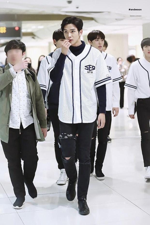 """6 """"người khổng lồ"""" Kbiz: Lee Kwang Soo dìm cả dàn sao, nam thần cao nhất Kpop gây sốt, """"há mồm"""" khi kéo đến sao Knowing Bros - Ảnh 8."""