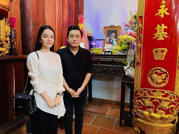Lâm Vỹ Dạ, Phạm Quỳnh Anh và dàn sao tụ họp tại đền thờ tổ 100 tỷ của NS Hoài Linh, chia sẻ về cố NS Chí Tài gây xúc động - Ảnh 2.