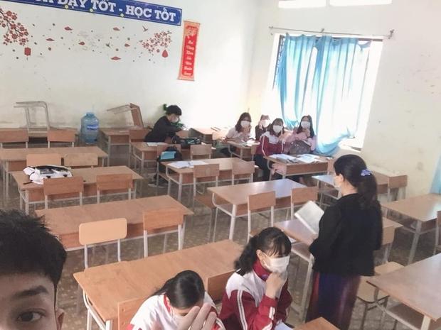 Hết Tết, học sinh quay trở lại trường: Khai bút bá đạo, lì xì đầu năm, không quên check-in khung cảnh đi học mùa dịch - Ảnh 7.