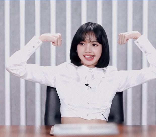 Ngơ ngác khi biết bà xã Lý Vinh Hạo là fan của mình, Lisa khiến dàn cố vấn Thanh Xuân Có Bạn bật cười vì quá cute - Ảnh 8.