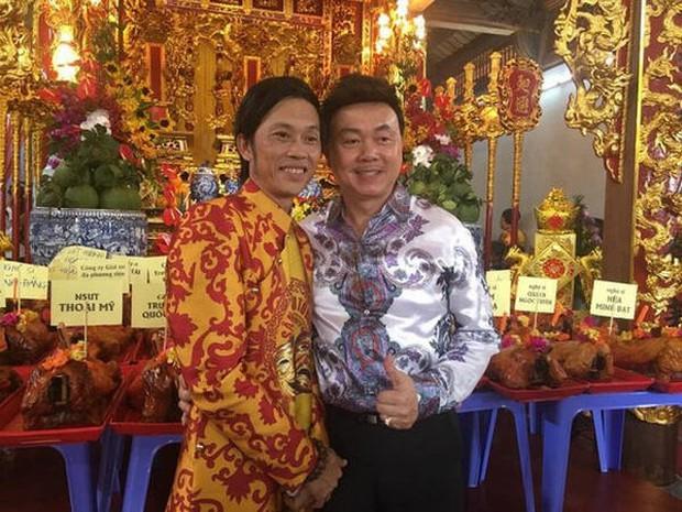 Lâm Vỹ Dạ, Phạm Quỳnh Anh và dàn sao tụ họp tại đền thờ tổ 100 tỷ của NS Hoài Linh, chia sẻ về cố NS Chí Tài gây xúc động - Ảnh 7.