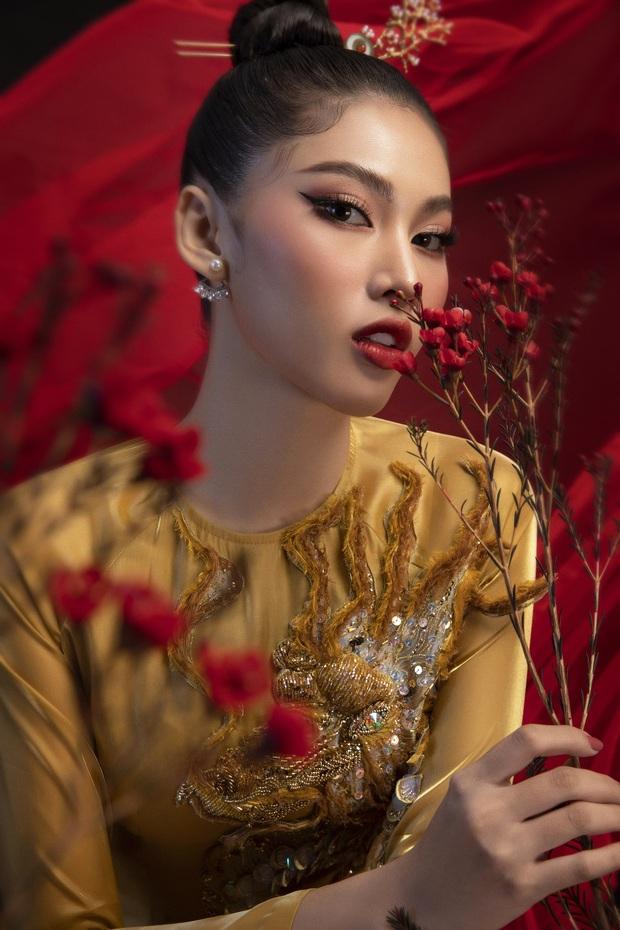 Phác thảo quốc phục Á hậu Ngọc Thảo mang đi chiến tại Miss Grand International, 1 bộ gây tranh cãi vì phá cách quá đà - Ảnh 4.
