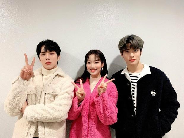 Bộ 3 MC rời show Inkigayo khiến PD tiếc nuối nhất 20 năm qua: Tổ hợp visual ngây ngất lòng người, tạo ra xu hướng độc đáo - Ảnh 3.