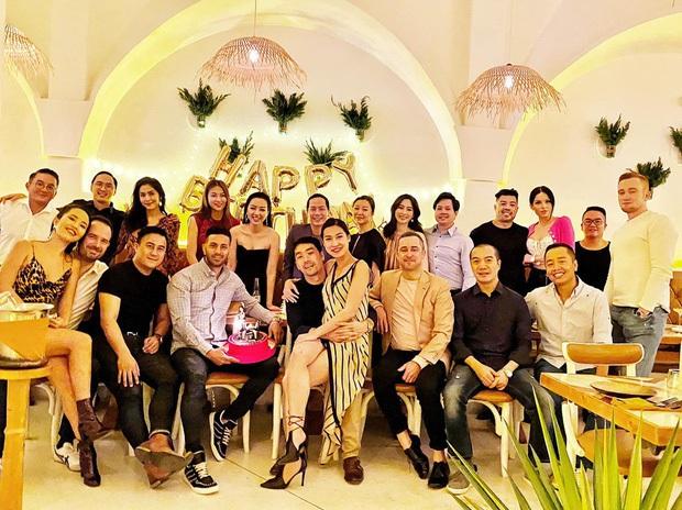 Hội bạn triệu đô của Hà Tăng tụ họp đầu năm mới, nhan sắc gái 2 con nổi bần bật trong khung hình - Ảnh 6.