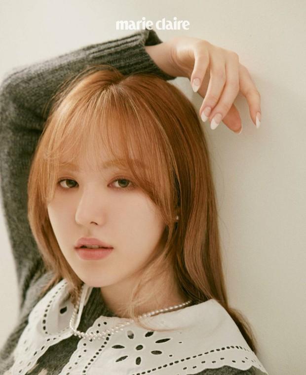 """Wendy (Red Velvet) """"đại náo"""" tạp chí sau 1 năm gặp tai nạn kinh hoàng ở SBS Gayo: Mặt biến dạng, nhưng visual vẫn gây bão MXH - Ảnh 2."""