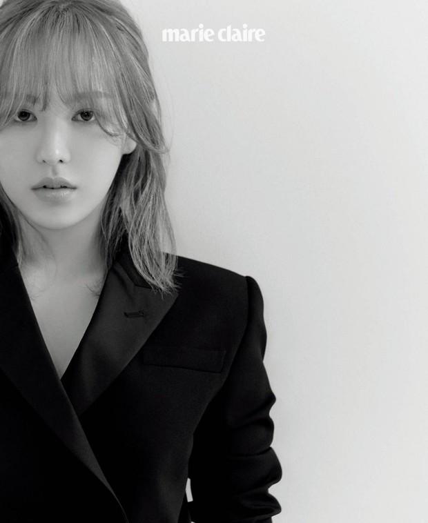 """Wendy (Red Velvet) """"đại náo"""" tạp chí sau 1 năm gặp tai nạn kinh hoàng ở SBS Gayo: Mặt biến dạng, nhưng visual vẫn gây bão MXH - Ảnh 3."""